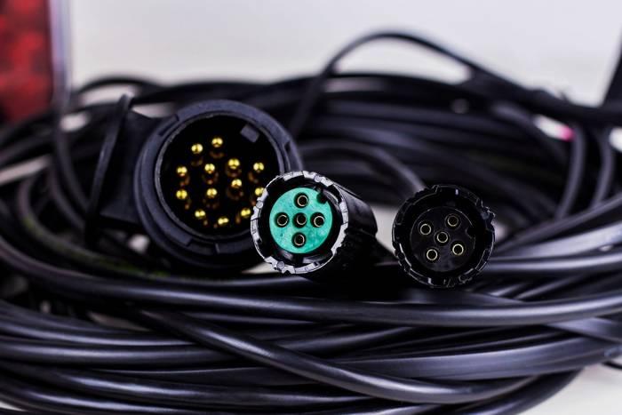 SET: Lămpi spate pentru remorci LED Fristom FT-270, lămpi de gabarit LED Horpol LD 726 și  cablaj instalacție electrică pentru remorci și platforme auto de 7 metri - cu 5 Pini la stopuri, iar 13 la mufă.